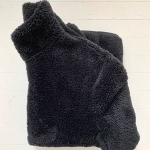 Uniqlo Teddy Fleece Zip-up Jacket in Black